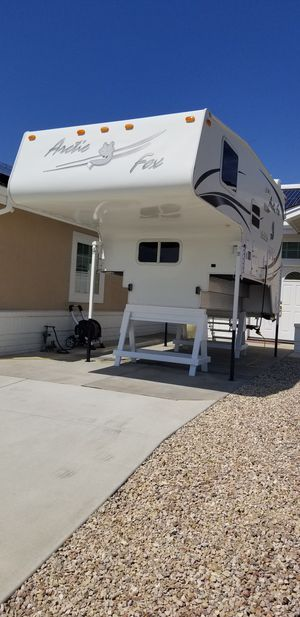 2007 Arctic Fox 990 cab over camper for Sale in Escondido, CA