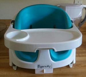 Booster seat for Sale in Clermont, FL