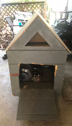 Dog house free for Sale in Ontario, CA
