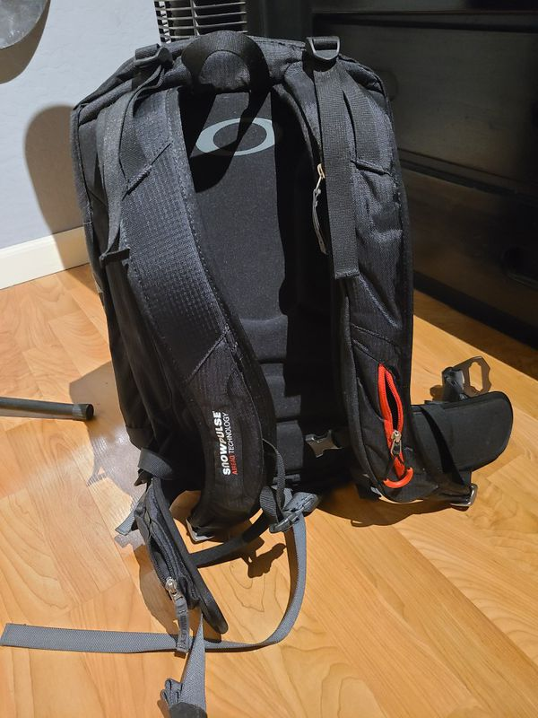 Oakley Snowmad R.A.S Backpack 15l
