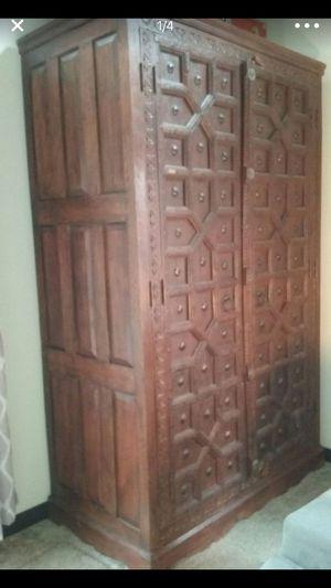 Hutch wardrobe armoire for Sale in Lake Stevens, WA