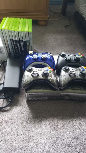 LIMITED EDITION MW3 Xbox 360 320Gb + 4 controllers + 11 Games for Sale in Gig Harbor, WA