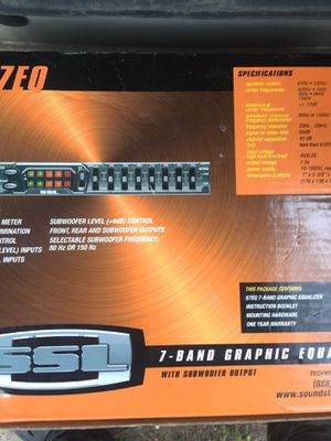 7 band graphic equalizer with subwoofers output for Sale in St. Louis, MO