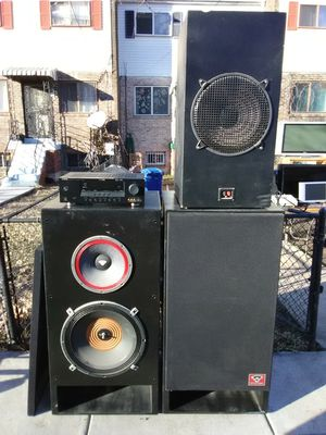 Custom made 1200 Watts cerwin Vegas loud speakers with subwoofer and 650 Watts Yamaha surround sound receiver for Sale in Washington, DC