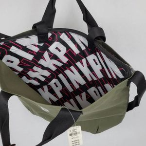 Victoria's secret pink insulated tote bag for Sale in Reedley, CA