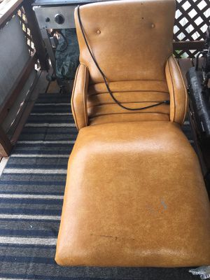 Recliner for Sale in Caseyville, IL