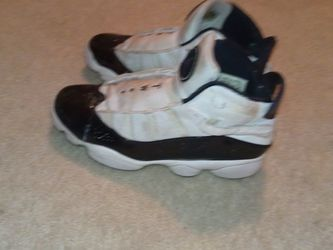 Jordans Retro 11s Size 10.5 Only 75 Dollars for Sale in Chicago,  IL