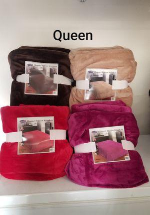 Queen size Flannel throw blanket for Sale in Riverside, CA