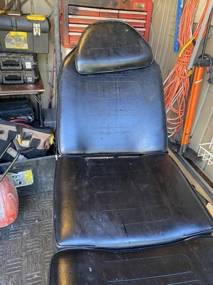 Tattoo chair for Sale in Fort Worth, TX