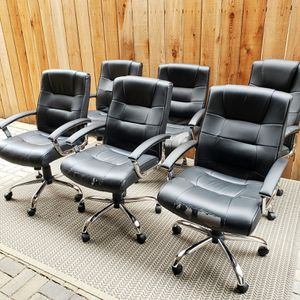 Office Faux Leather Black Chairs, adjustable & comfortable for Sale in Los Angeles, CA
