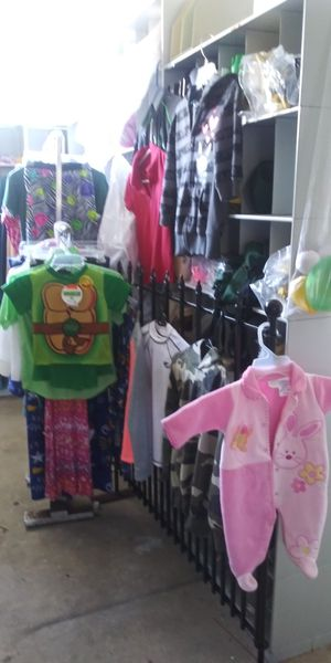 35 kids clothes for Sale in Lake Worth, FL