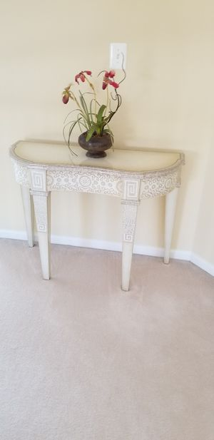 Console table for Sale in Leesburg, VA