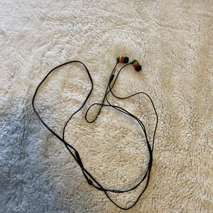 Skull Candy Wired Earbuds with Microphone for Sale in Chicago, IL
