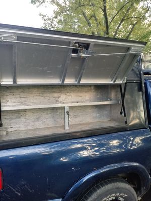 Topper for chevy s10 crew cab or long size for Sale in CARPENTERSVLE, IL