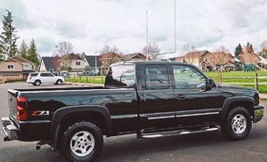 PERFECT UTILITARY 2003 CHEVY SILVERADO for Sale in Portsmouth, VA