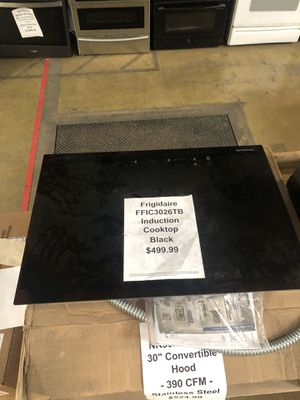 Frigidaire induction cooktop with manufacturers warranty for Sale in New Lenox, IL