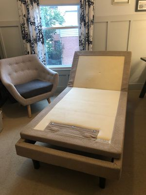 Serta Motion Perfect Adjustable Twin Bed Frame for Sale in Franklin, TN