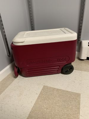 Igloo WHEELIE-cool for Sale in The Bronx, NY