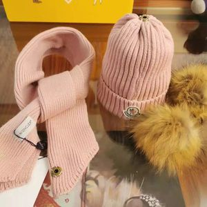 Winter Hat And Scarf For Children And Size s Woman for Sale in Hollywood, FL