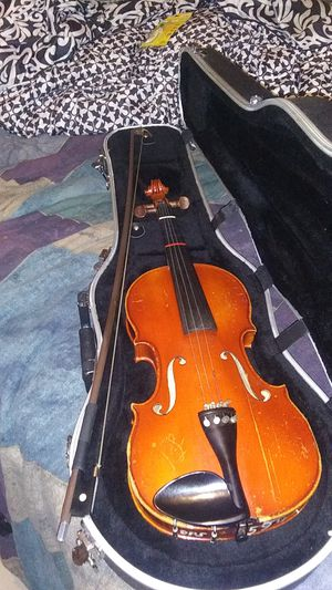 Violin....4 by4 ... Vintage....scheri and roth........student for Sale in Glendale, AZ