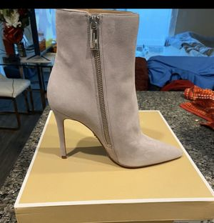 Michael kors leather booties size 5 for Sale in Sylmar, CA