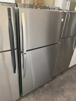 KENMORE STAINLESS TOP FREEZER FRIDGE for Sale in Industry, CA