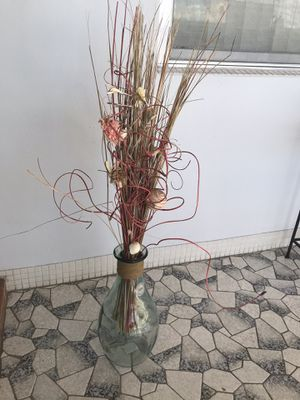 Glass vase with flowers for Sale in Hollywood, FL