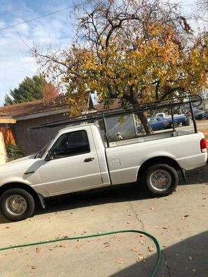 Ford ranger 5 speed 4 cyl with rack 2006 for Sale in Fresno, CA