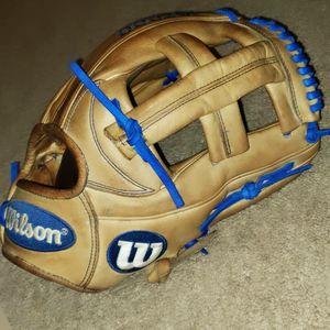 Wilson A2000 11.75inch EL3 Baseball glove for Sale in Riverside, CA