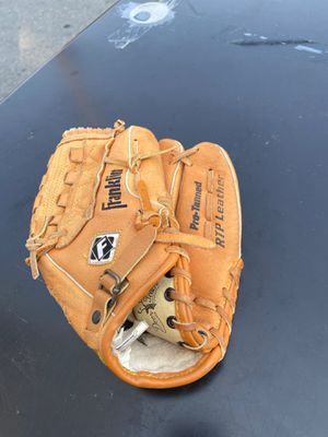 Baseball or Softball Glove youth size for Sale in Palo Alto, CA