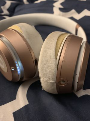 Special Edition Rose Gold Beats by Dre! Retail for $329 new! for Sale in Madison, MS