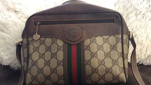 Authentic Vintage Gucci Crossbody Bag for Sale in Vallejo, CA