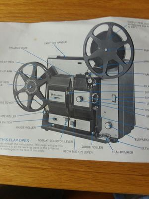 BELL AND HOWELL 8 AND SUPER 8 PROJECTOR for Sale in Burrillville, RI