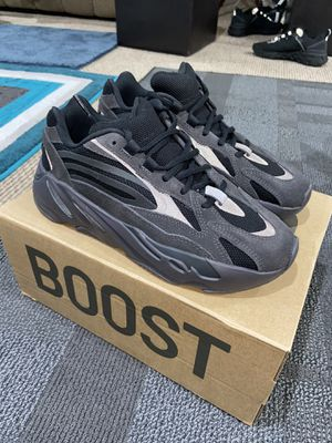 Yeezy Boost 700 (Vanta) for Sale in Philadelphia, PA