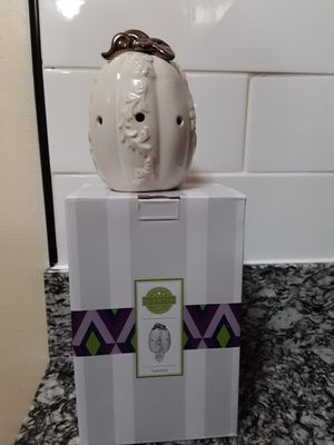 Scentsy pumpkin wall wax warmer for Sale in Queens, NY