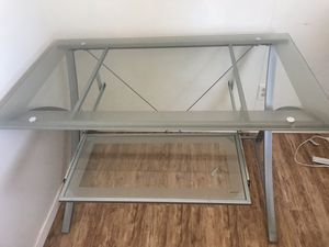 Modern computer desk for Sale in Oceano, CA