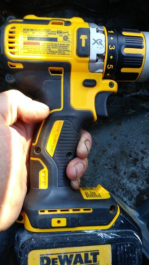 Very little use Dewalt 20 volt XR drill and 20 volt lithium ion exercise battery I want $60 for Sale in Clackamas, OR