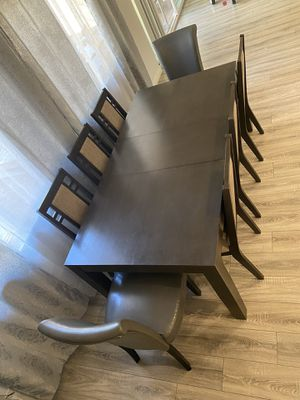 Dining table with 8 chairs for Sale in Los Angeles, CA