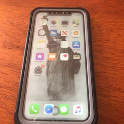 iPhone Xr 128GB Like New With Case Black for Sale in Bensalem,  PA
