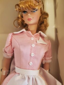 """Vintage BARBIE FASHION MODEL """"THE WAITRESS"""" GOLD LABEL for Sale in West Covina,  CA"""