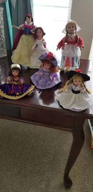 Dolls, Madame Alexander, Disney Snow White & Holland doll with wooden shoes for Sale in Woodstock, GA