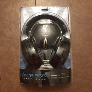 IT wireless headphones for TV for Sale in Cranberry Township, PA