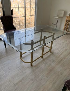 Free table glass very heavy for Sale in Mount Baldy, CA