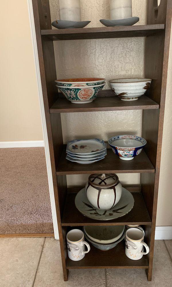 Small shelf dresser