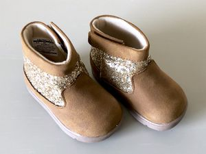 New Carter's Toddler / Baby Girl Boots Size 4 1/2 for Sale in Broken Arrow, OK