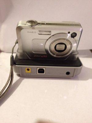 Casio EXILIM ZOOM EX-Z750 7.2MP Digital Camera - Silver for Sale in San Gabriel, CA