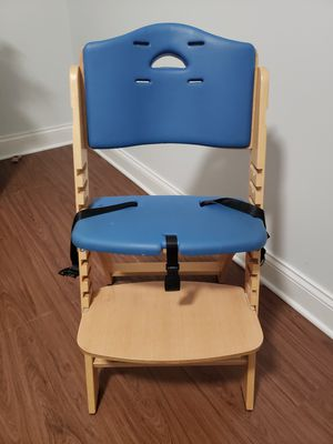 High chair for kids for Sale in Chicago, IL