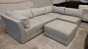 Harris 5pc sectional sofa for Sale in Decatur, GA