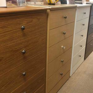 5 Drawer Dresser for Sale in El Segundo, CA