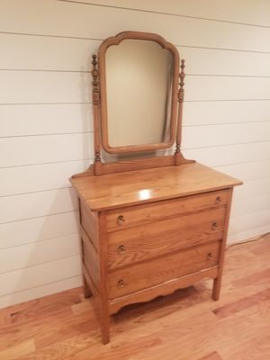 Antique dresser. for Sale in Tacoma, WA